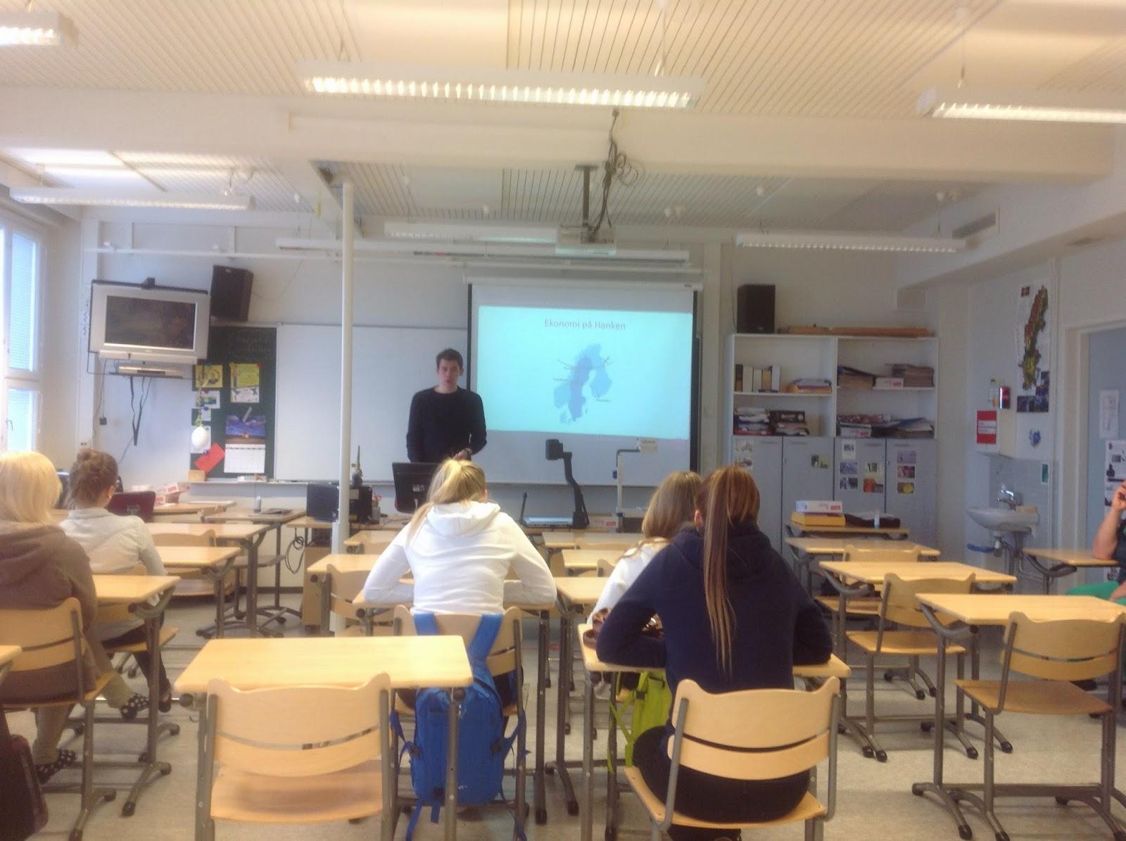 """Kenneth Nilsson koulullamme 9. 5 .2014 """" Från pizza till palats"""""""